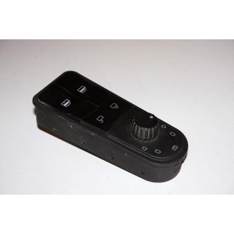 Клавиши стеклоподъемника левые HOWO A7