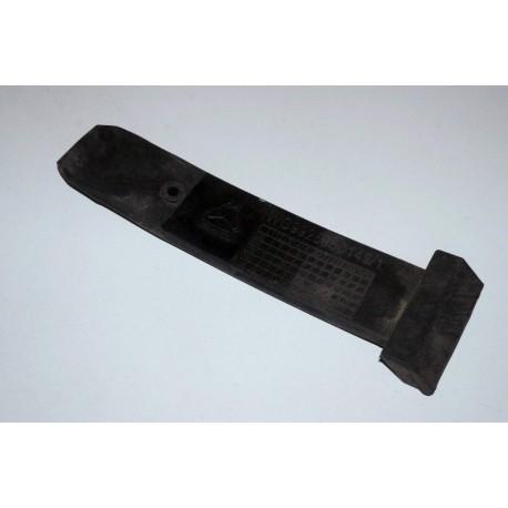 Фиксатор резиновый крыла (тягач) HOWO A7 6х4