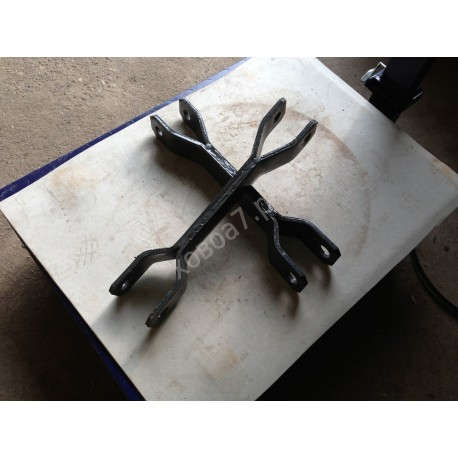 Кронштейн переднего стабилизатора HOWO A7