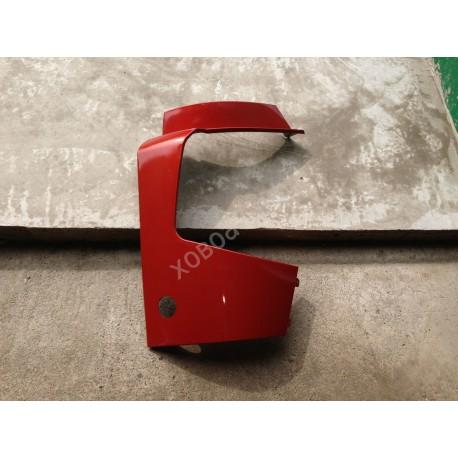 Обтекатель фар правый красный HOWO A7