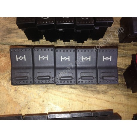 Клавиша панели приборов (выключатель межколесного дифференциала) HOWO A7