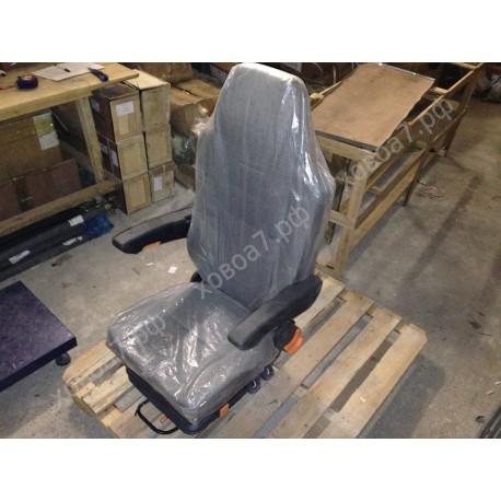 Сиденье водительское (пневмо с подлокотниками) HOWO A7
